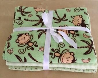 Receiving blanket set/green and brown monkeys
