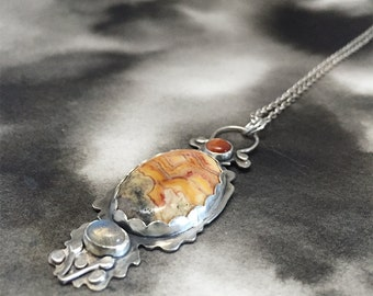 Disir silver cellular totem pendant with sunstone, crazy lace agate and labradorite