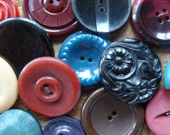 16 Antique and Vintage Large Buttons Mixed Vintage Buttons Lot 407