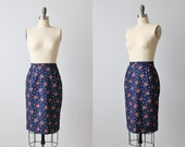 Floral Print Pencil Skirt /  1980s Skirt / Wiggle Skirt / Cotton / Red  Rose Flower Print