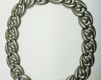 A Vintage Chunky Link Necklace in Silver Hollow Metal