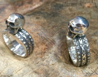 R62 Stand Up Guy Skull Sterling Silver Skull and Stars Ring Southwestern Native Style