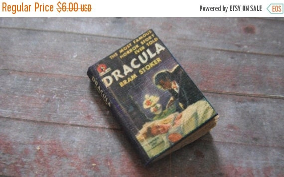 ON SALE Miniature Book --- Dracula