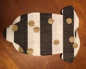 Oh, the cuteness!  Baby shower shirt or bib shaped NAPKINS in black and white stripes and gold dots. Pack of 30.