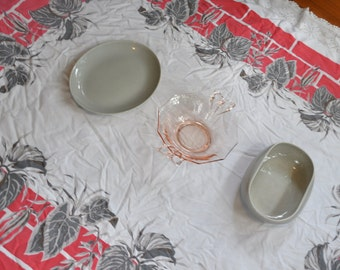 Gray Russel Wright serving Bowl and Platter With MCM Tablecloth/Vintage 1950s/Steubenville Pottery