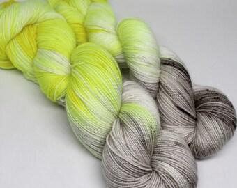 Hand Dyed Speckled Sock Yarn - SW Sock 80/20 - Superwash Merino Nylon - 400 yards - Highlight on a Grey Day