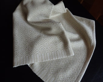Handwoven Organic Cotton Towel in Natural and Light Green Foxfibre