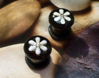 0 Gauge Plugs, Bejeweled Daisy, Black and White, Expanded Earwear, Large Gauges