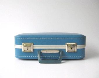 Vintage...Blue...Suitcase...Briefcase...Overnight Case...Organizer...SALE...WAS 46.00