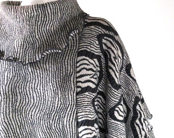 80s Oversized Black & Gray Knit Sweater - Cotton Jersey Batwing Pullover Jumper / Dress - Coogi Style Med Large Textured Jacquard Cozy Knit