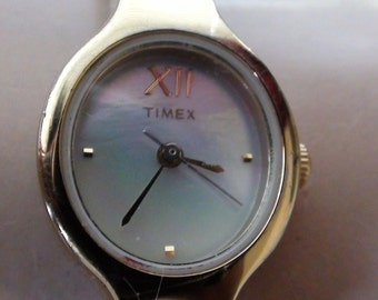 Classic Timex Watch Ladies Gold and Silver Tone Mother of Pearl face   Wrist Watch Vintage Working condition New Battery