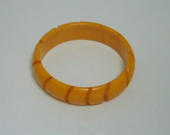 Vintage Butterscotch Bakelite Bracelet with Carved Design