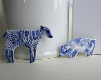 Lamb with striped jumper - Handpainted Blue Delft porcelain Brooch
