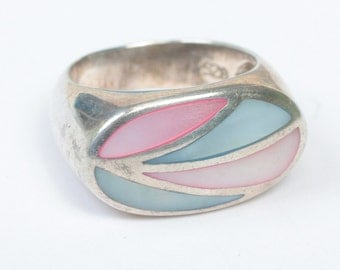 Vintage MOP Ring Channel Inlay Setting Pink Blue Shell Size 7.5