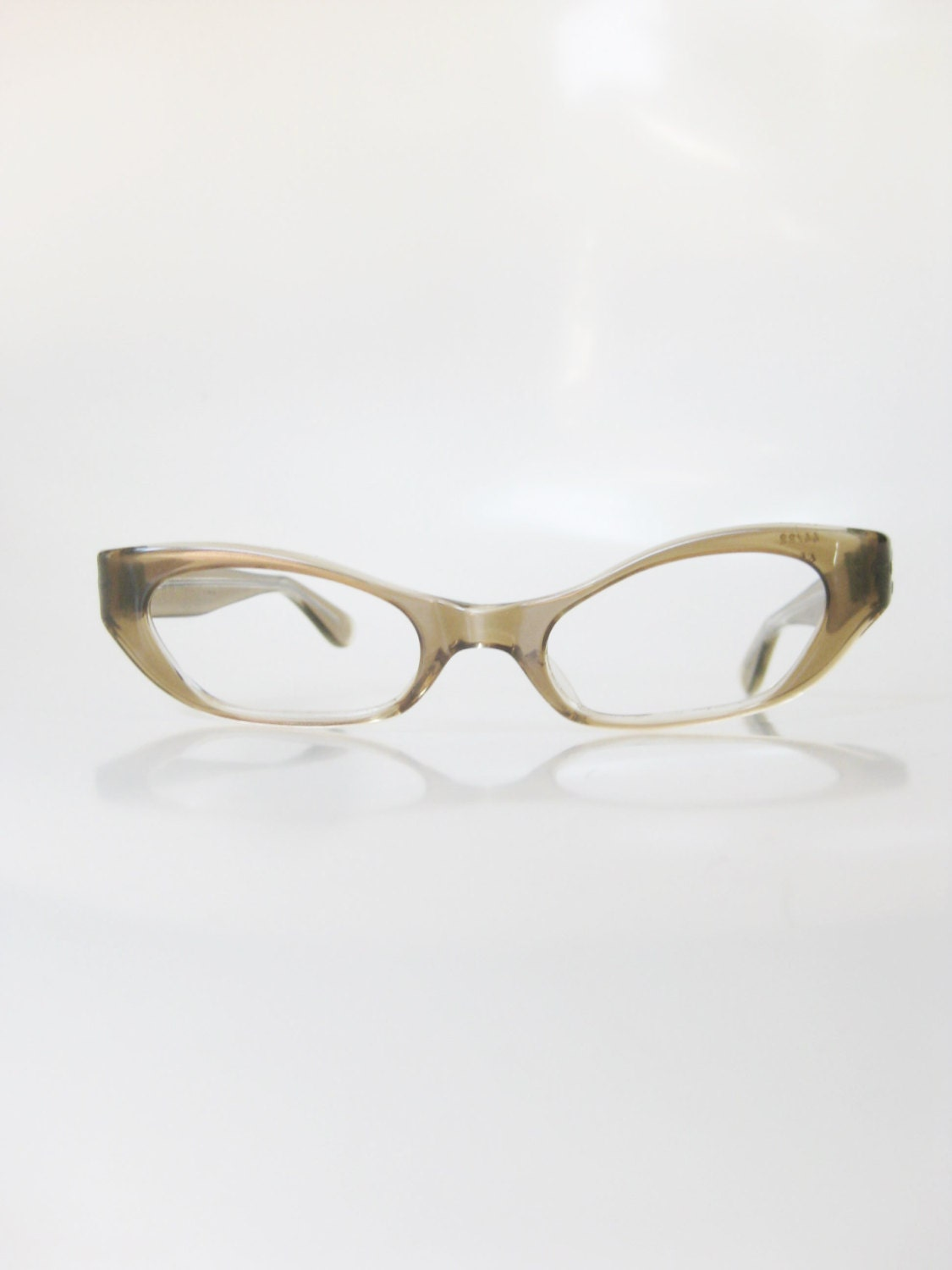648207830ce9 Vintage 1960s Brown Cat Eye Glasses Eyeglasses Golden Gold Mid Century  Modern 60s Mod Indie Hipster