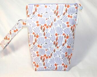 Breezy Floral Knitting Valet