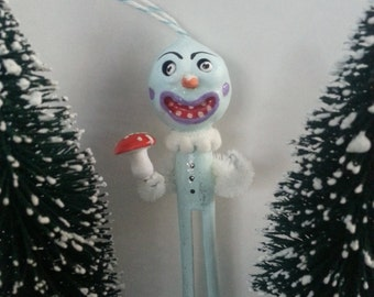 Vintage Style Folk Art Clothes Pin Snowman Christmas Ornament