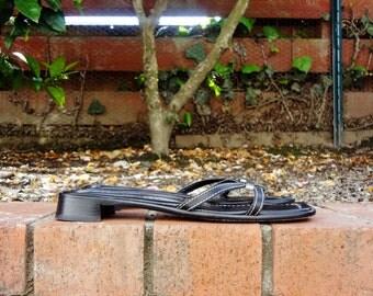Made in Italy - Donald J Pliner black sandals ( US Sz 8, Eu 38.5 )