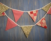 Classic Bunting. This is a gorgeous floral and spotty 3m strand of bunting.