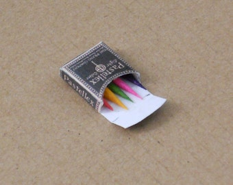 1/12 Scale Miniature Vintage Crayons