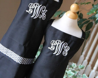 Personalized Embroidered Adult Junior teen Monogram Apron Flowers MOMMY DAUGHTER Teacher sister SET