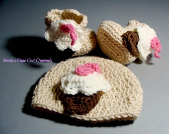 Cupcake Beanie and Booties with applique pdf 243