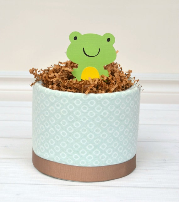 Frog Baby Gift, Frog Baby Shower Centerpiece, Mini Diaper Cake, Diaper Cake Centerpiece, Frog Prince Baby Shower, Unisex Baby Shower