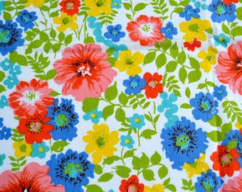Vintage Fabric - Summer Floral Canvas - 44 x 27