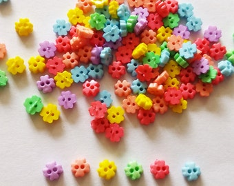 200 pcs Tiny Clover Flower Button 4mm Mix Color