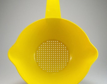 Large Tupperware Yellow Colander Strainer