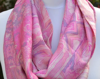 Pink Abstract Design Pure Silk Sari Infinity Scarf - Eternity Scarf - Loop Scarf - Circle Scarf - Boho Scarf - Unique Gift - Boho Schi