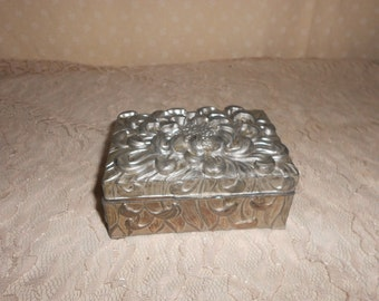 Silver Jewelry Box Pewter? Flower