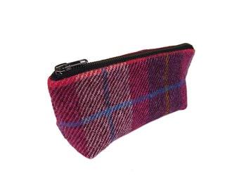 Make-up bag in pink-purple Harris Tweed tartan with water-resistant lining