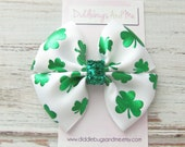 Green Shamrock Pinwheel Bow, Girls St Patrick Hair Bow, St Patty's Hair Bow,  Hair Bow, Shamrock Hair Bow, Hair Bows For St Patrick's Day