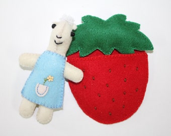 Pouch Pet - Miniature Sheepy PDF Pattern includes Strawberry Sleepy Bag and clothes