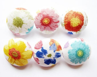 Sewing Buttons / Fabric Buttons - Colorful Floral Print - 6 Medium Fabric Buttons Set