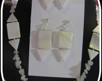 210 Graphic Mother of Pearl adjustable necklace and earrings