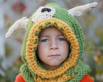 The iClops Monster Hooded Cowl Pattern