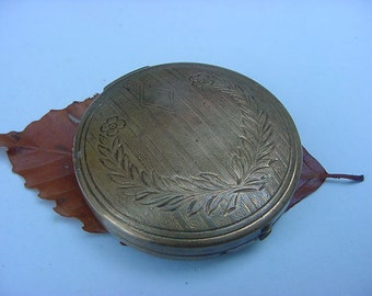 Art Deco Brass Face Powder Compact Mirror Purse With Slotted Loose Powder Shaker inside Vintage