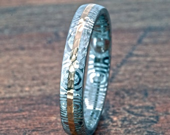 Damascus Steel Ring w/ Acid Etching and Solid 14k Gold Hammer Finish Inlay: DS-4HR-1mm-14k-Hammer