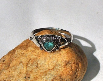 Heart Ring Vintage Size 7 With Heart Apatite Stone Silver Ring