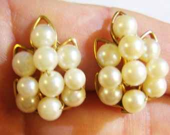 clip on earrings, Alice Caviness small white beaded clip on earrings 12/20GF 615C2