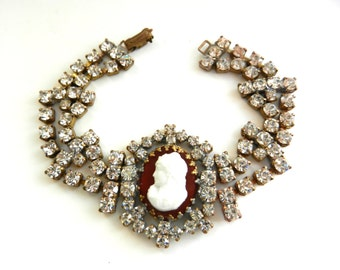 Dazzling  Bohemian  Czech crystal cameo glass milky white bracelet - sparkling glamor and timeless - original design signed--art.100/2-