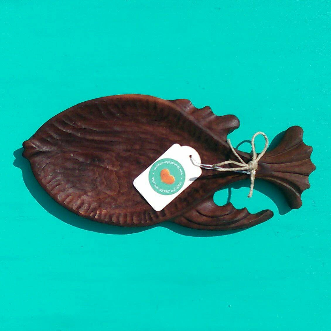 Fish shaped bowl hand carved in walnut wood artisan carved for Fish shaped bowl