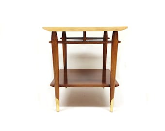 Vintage Lane End Table In Wood