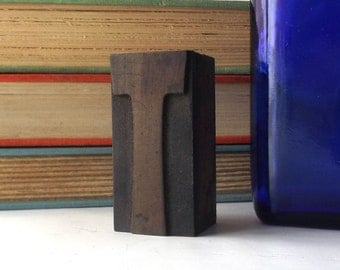"vintage 20's 2"" letter T wood letterpress printers block stamp old antique retro decorative home decor aged weathered character small accent"