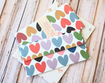 Grands coeurs motif naturel enveloppes