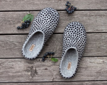 Felted slippers blackberry wool home shoes Eco friendly unisex slippers polka dot shoes black berries women mens slippers Christmas gift