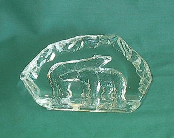 Polar Bears crystal Sculpture/Paperweight