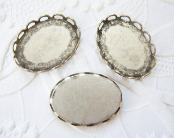 4 - Antiqued silver plated brass 18x13mm lace settings - GR136